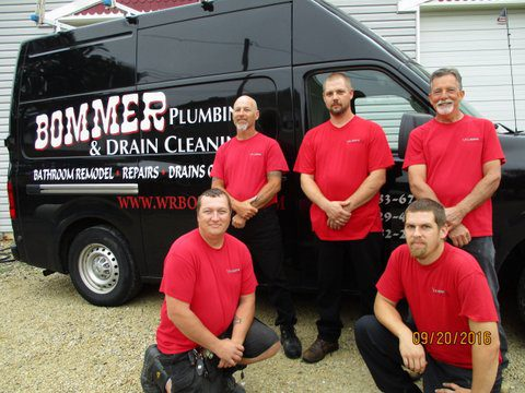 bommer-plumbing-team-with-truck